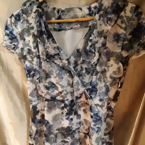 BANANA REPUBLIC CROSSOVER TOP NWOT 2